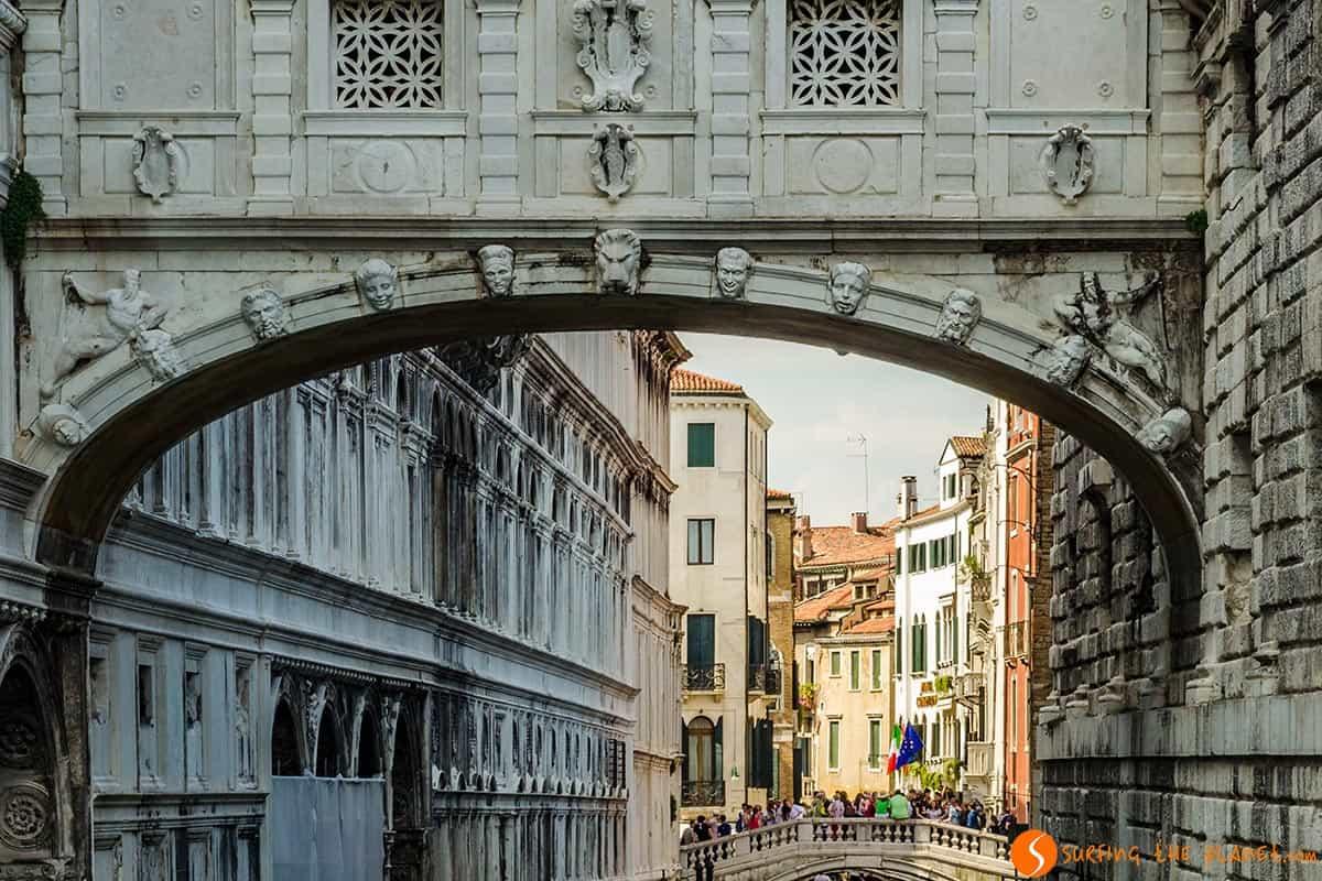 Puente de los Suspiros, Venecia, Italia