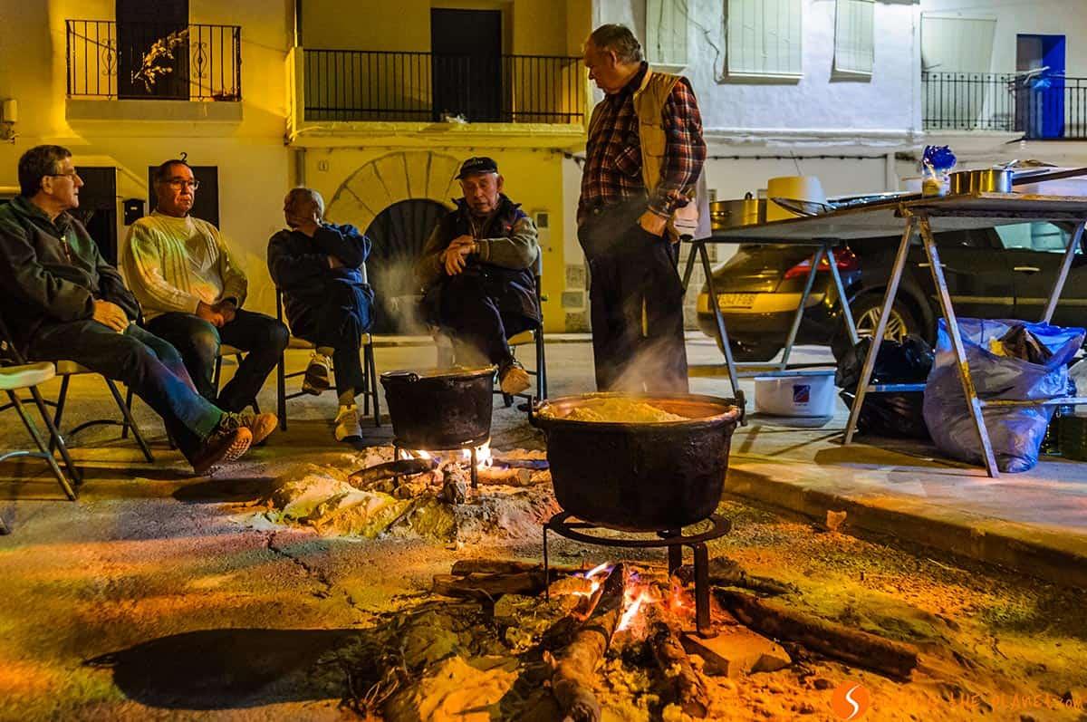 Cocinando las gachas, Aras de los Olmos, España