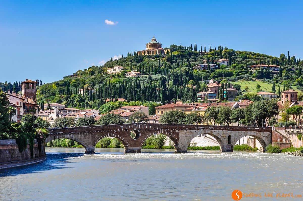 Puente de Piedra, Verona, Italia