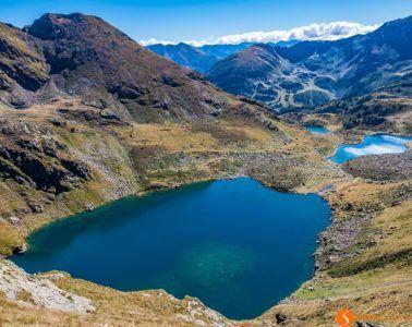 Vista de los Lagos Tristaina, Andorra