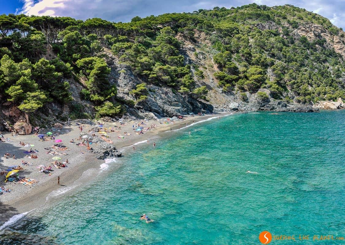 Las 25 mejores playas y calas de la costa brava for Piscina natural begur