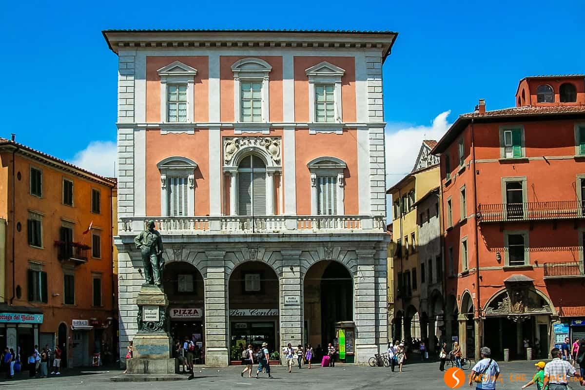 Plaza de Garibaldi, Pisa, Italia | 10 Lugares imprescindibles que ver en Pisa