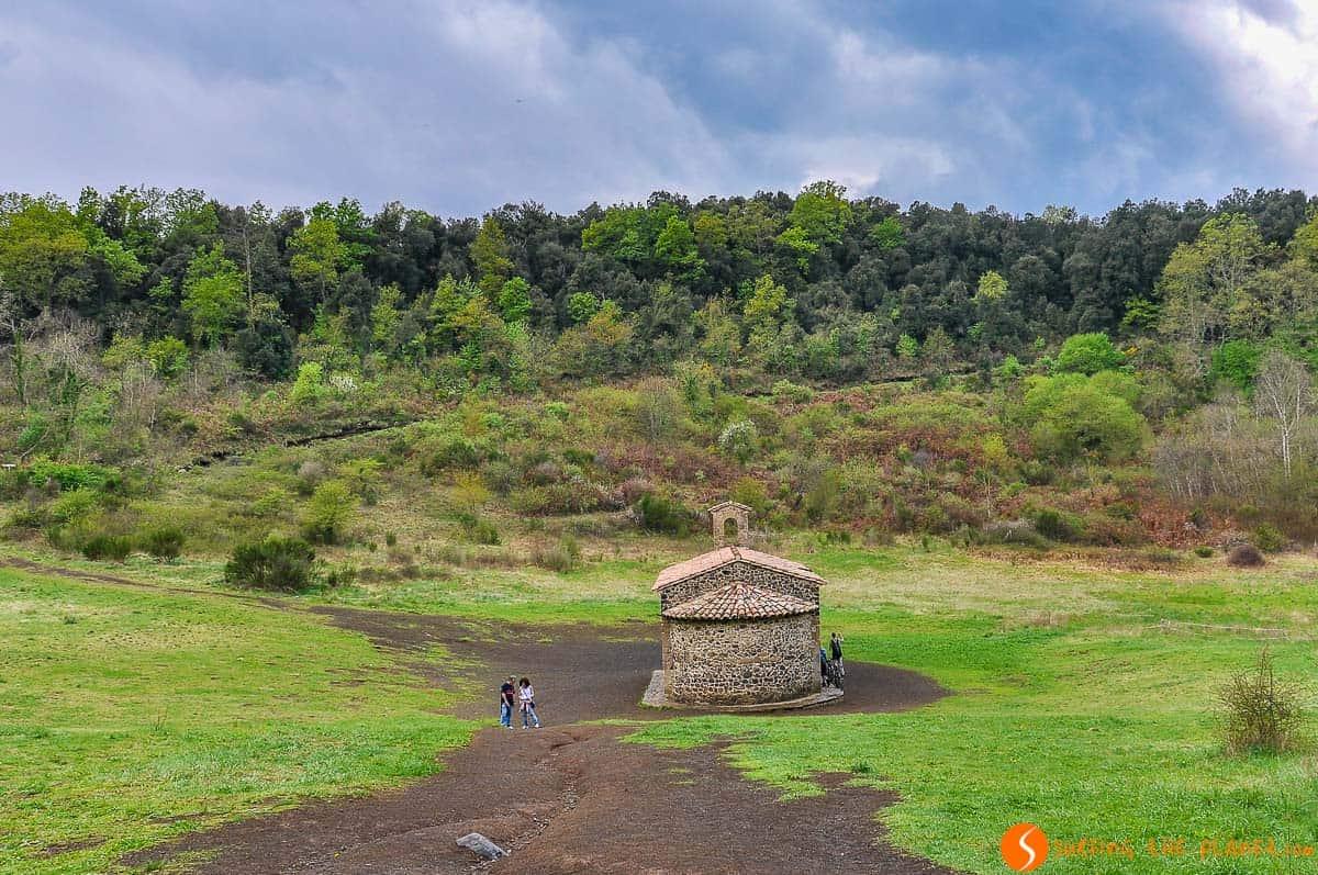 Volcán de Santa Margarida, La Garrotxa, Cataluña | Qué ver y hacer en Girona en 1 ó 2 días