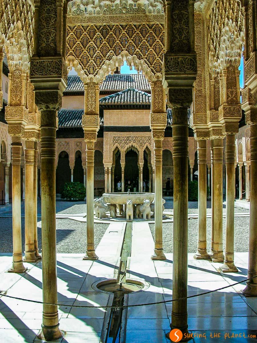 Patio de Leones, La Alhambra, Granada, España