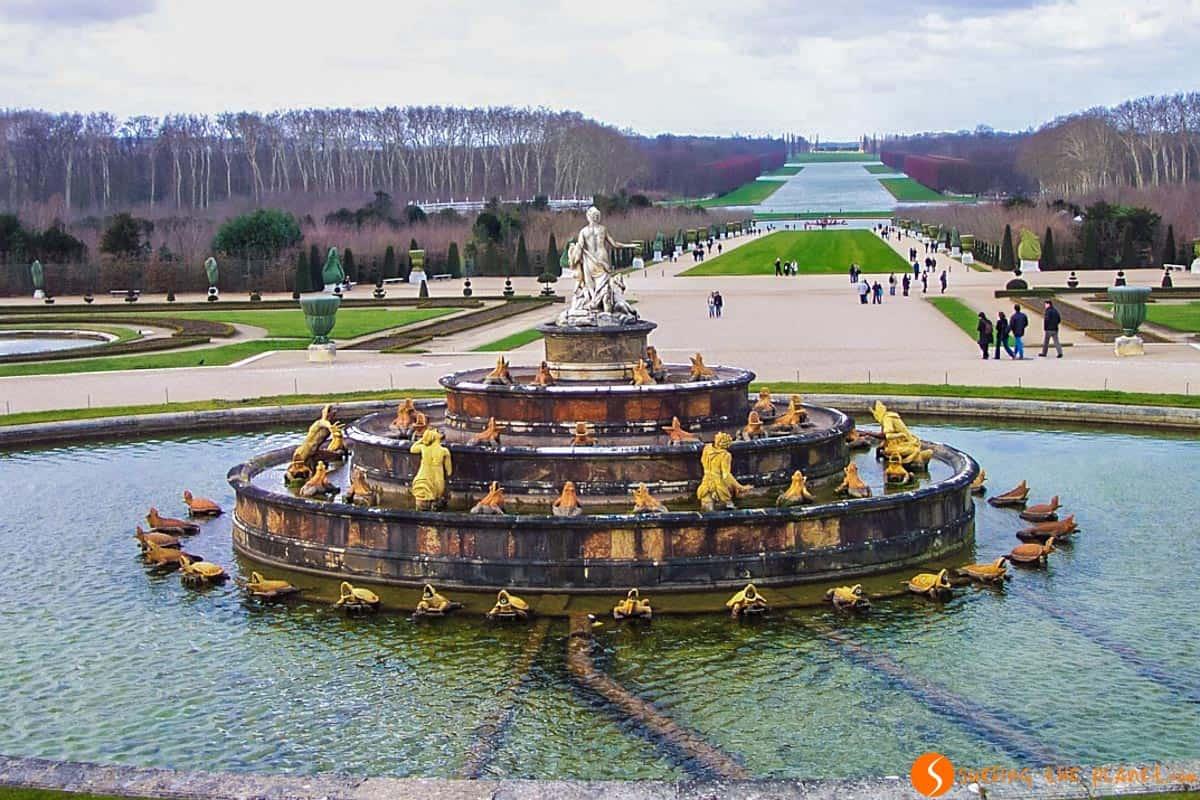 Fuente en los Jardines de Versalles, París