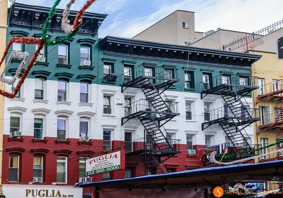 Fachada típica de Little Italy, Nueva York, Estados Unidos | Qué visitar en Little Italy