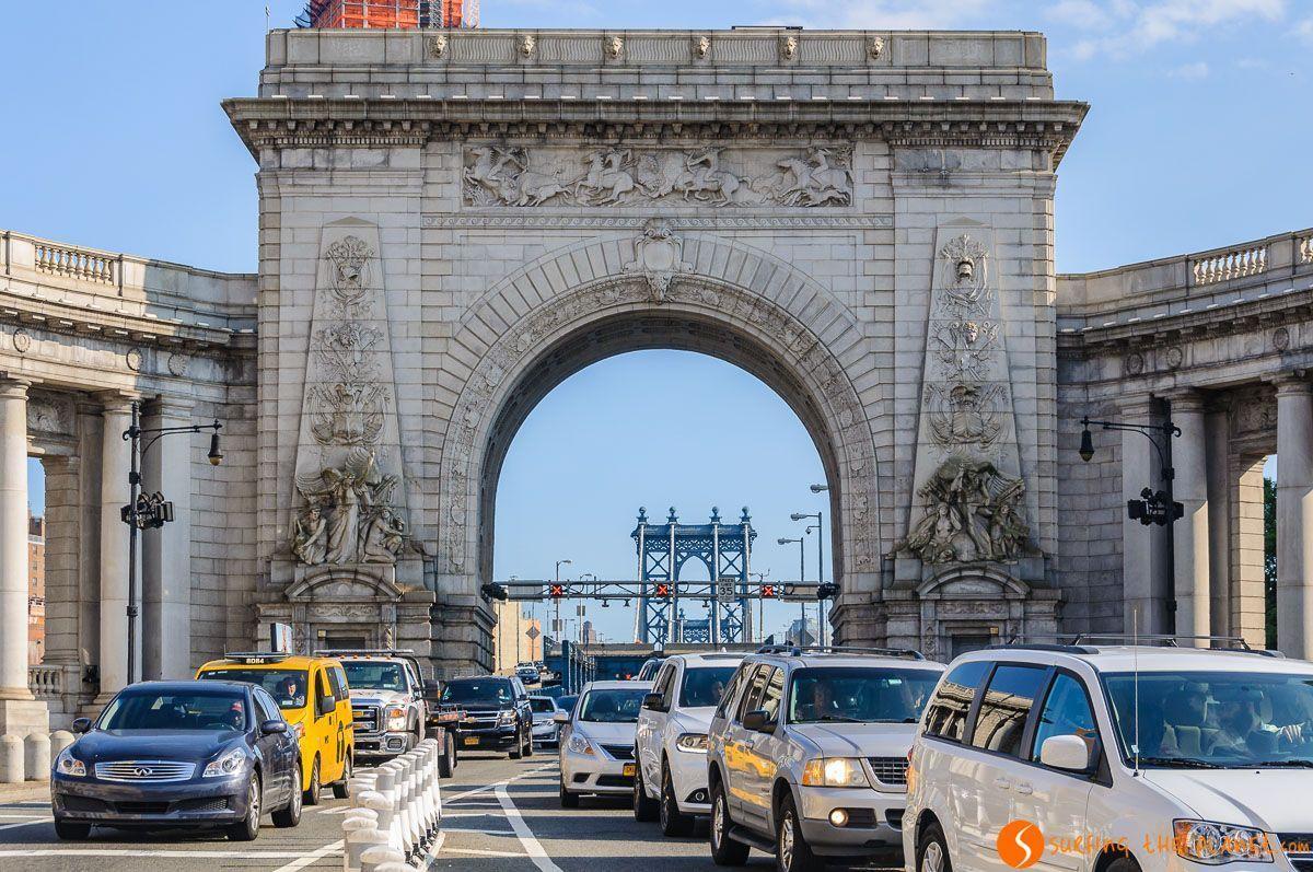 Entrada a Manhattan Bridge, Chinatown, Nueva York, Estados Unidos