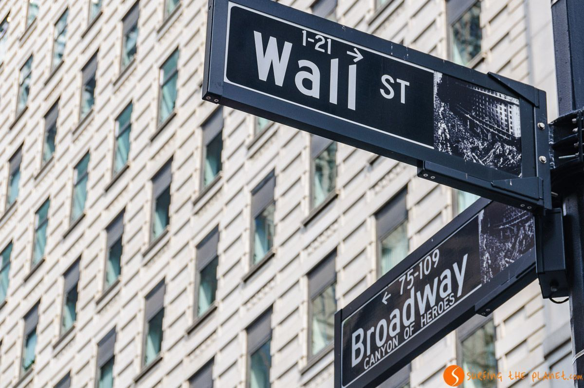 Wall Street con Broadway, Lower Manhattan, Nueva York, Estados Unidos