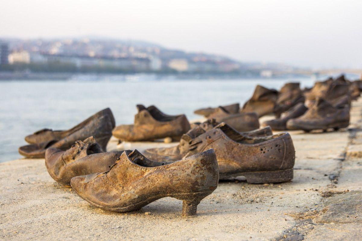 Zapatos de judíos en la orilla, Budapest, Hungría   Qué ver en Budapest en 3 días