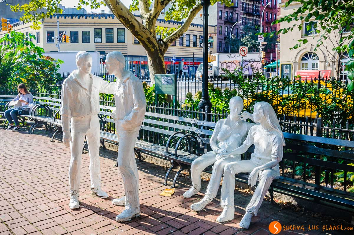 Monumento Gay Liberation en Christopher Park, The Village, Nueva York, Estados Unidos