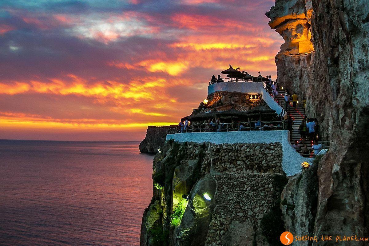 Atardecer en Cova d'en Xoroi, Menorca, España | Qué ver y hacer en Menorca