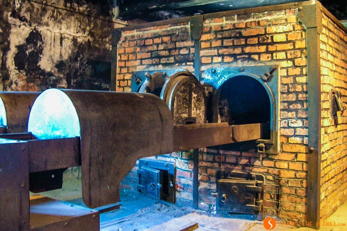Hornos crematorios en el campo de concentración Auschwitz I cerca de Cracovia, Polonia