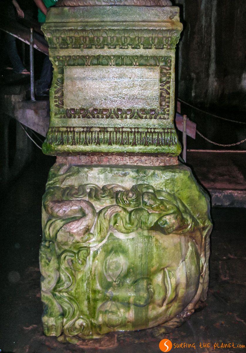 Columna Medusa, Cisterna Basílica, Estambul, Turquía | Qué visitar en Estambul