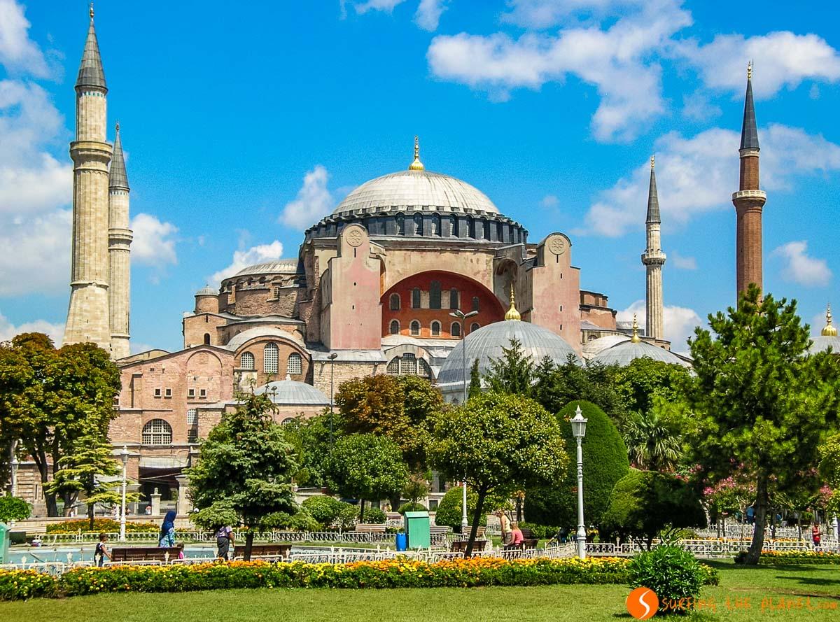 Exterior de Santa Sofía, Estambul, Turquía