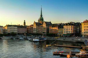 Luces al atardecer en Estocolmo, Suecia