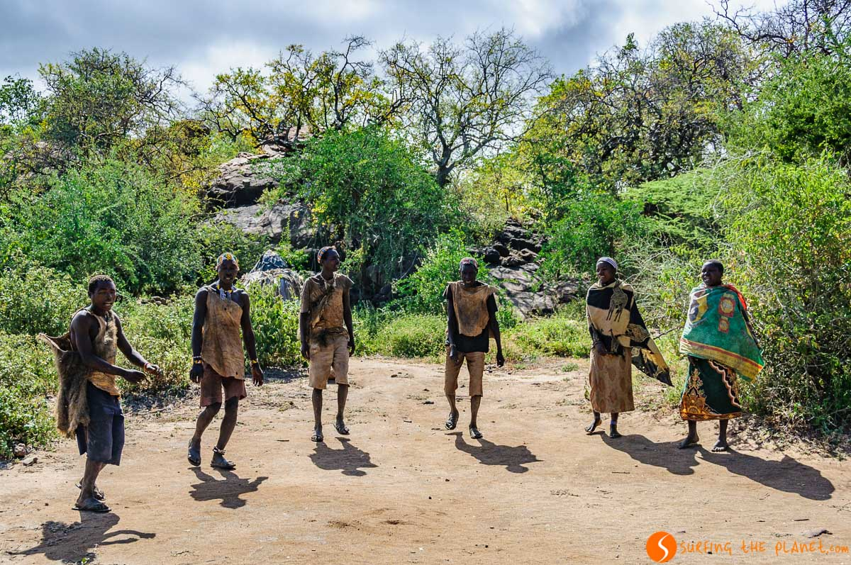 Baile tradicional, Tribu de Bosquimanos, Lago Eyasi, Tanzania
