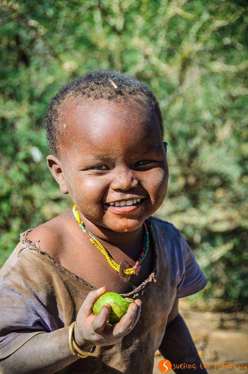 Niño sonriendo, Tribu de los Datoga, Lago Eyasi, Tanzania