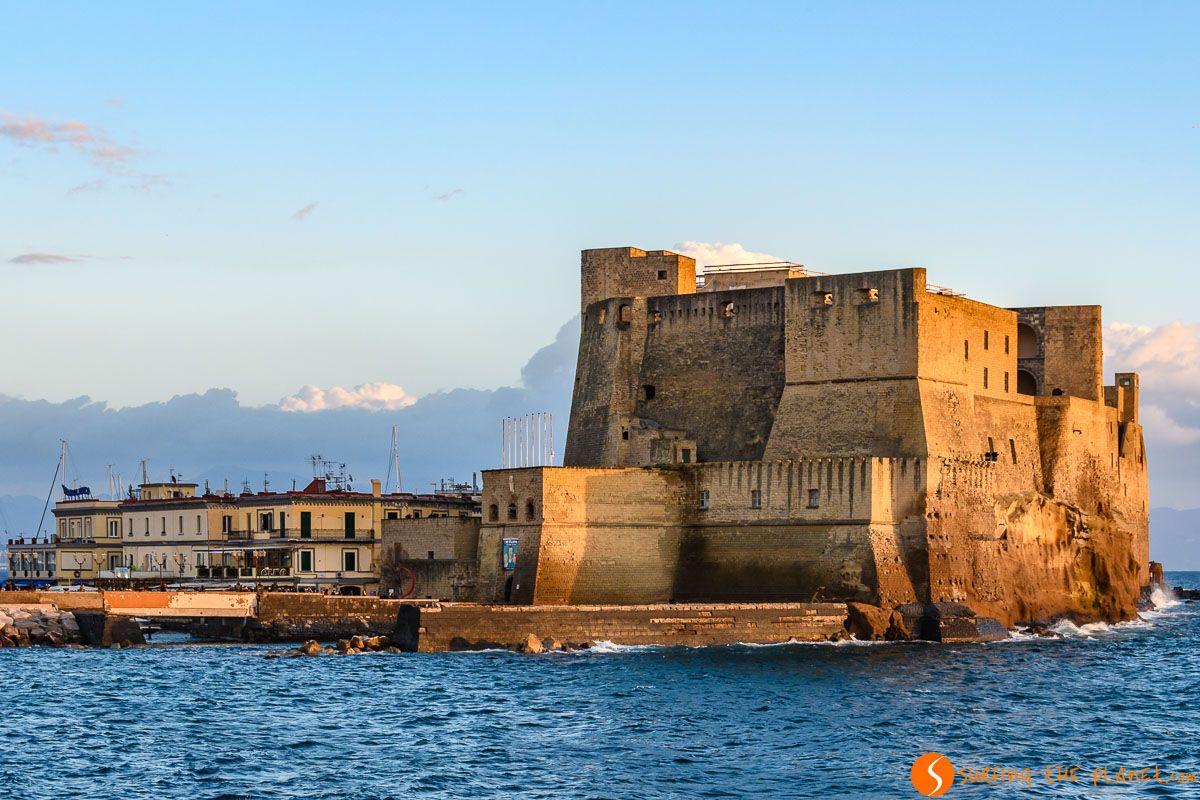 Castel d'Ovo, Nápoles, Italia | Tours gratuitos en español por Europa