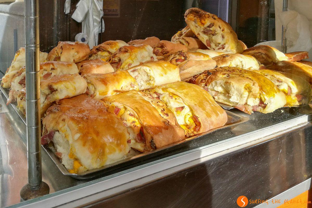 Sandwich en la calle, Nápoles, Italia | Qué comer en Nápoles
