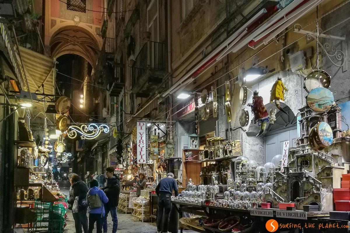 Via San Gregorio, Nápoles, Italia