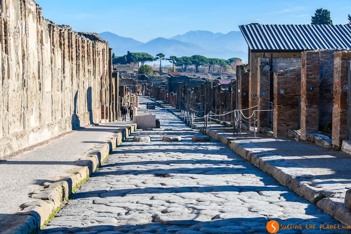 Calle empedrada, Pompeya, Italia