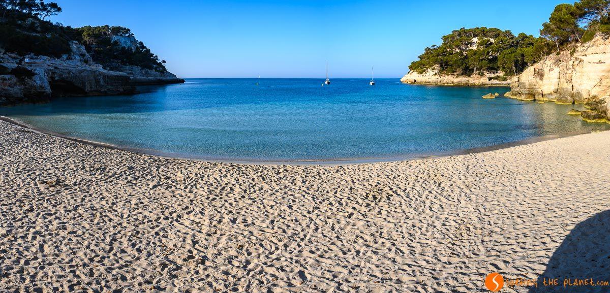 Sin gente, Cala Mitjana, Menorca, España | Las 25 mejores calas y playas de Menorca