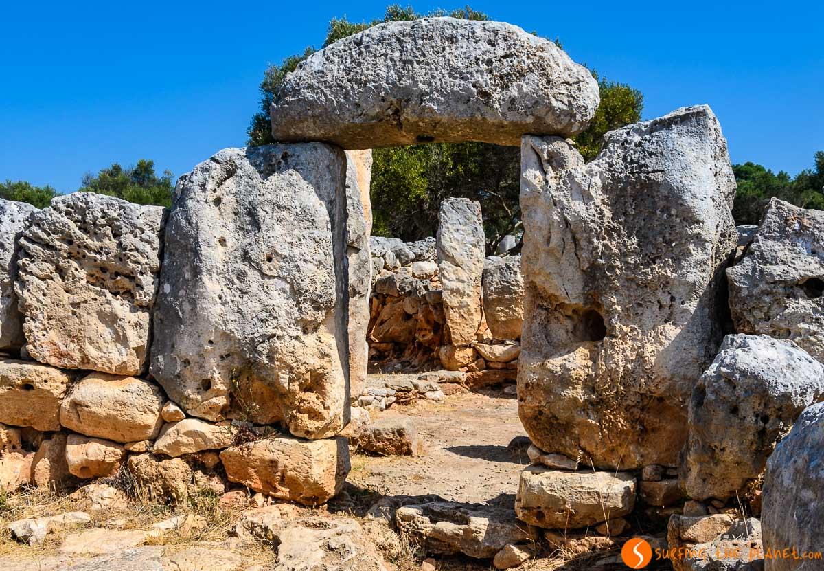 Poblado talayótico, Nécropolis de Cala Morell, Menorca, España
