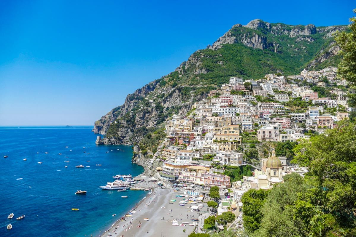 Village on the Amalfi Coast, Excursions from Napoles, Italy | The best excursions from Naples