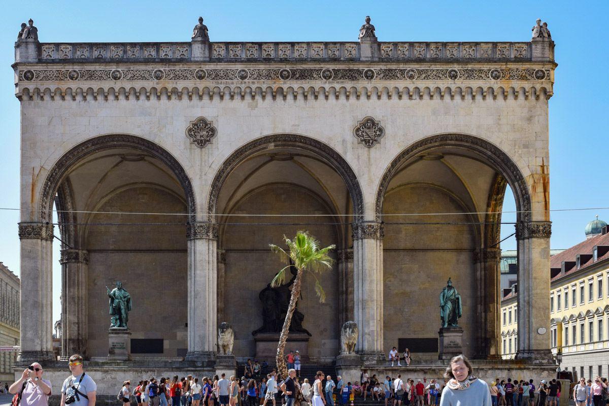 Odeonsplatz, Múnich, Alemania | Qué ver y hacer en Múnich