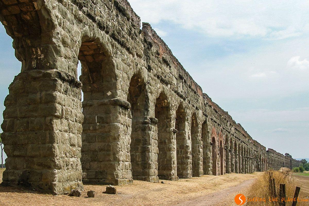 Acueducto, Via Appia cerca de Roma, Italia