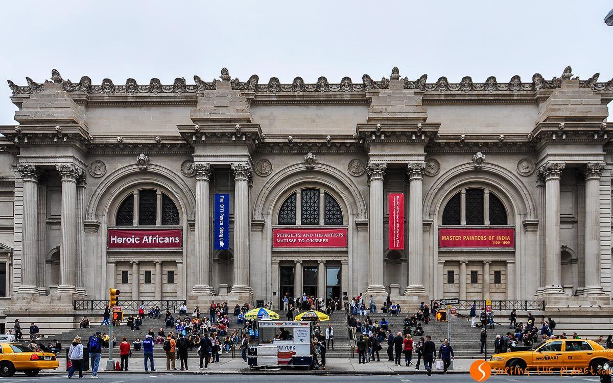 Entrada del Museo Metropolitano, Nueva York, Estados Unidos