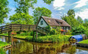 Canal, Giethoorn, Holanda