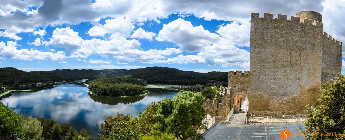 Vistas del Pantano de Foix desde el Castillo de Castellet, El Penedès, Cataluña, España | Ruta por el Penedès