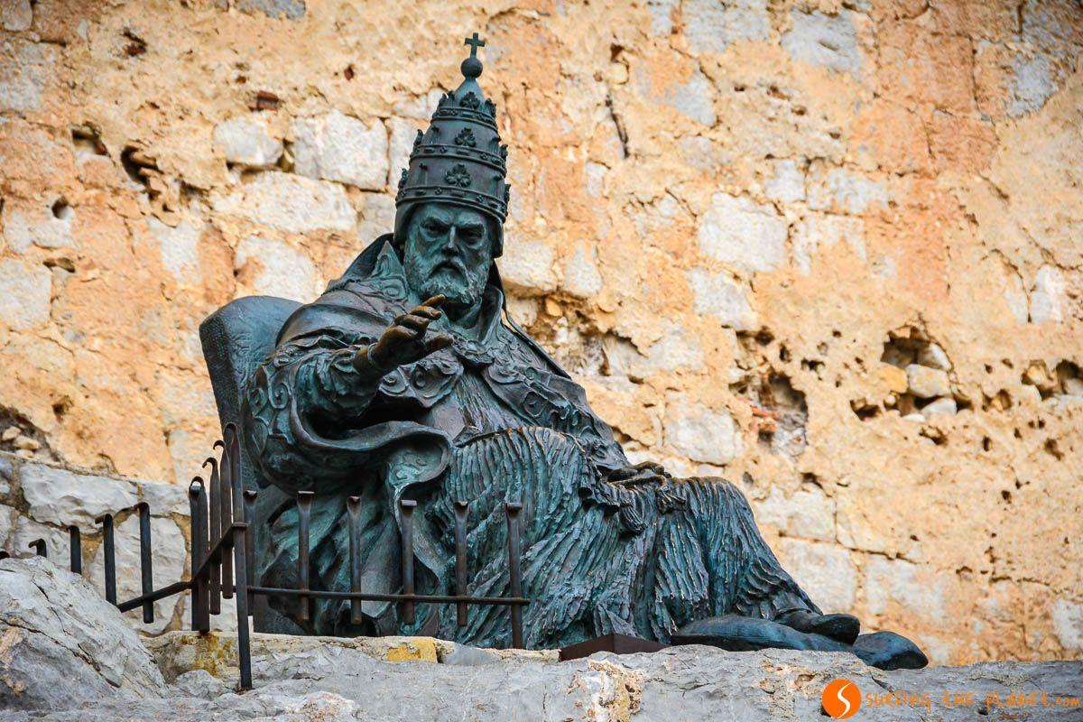 Estatua de Papa Luna, Castillo de Peñíscola, Provincia de Castellón, Comunidad Valenciana | Castillos con encanto en Castellón