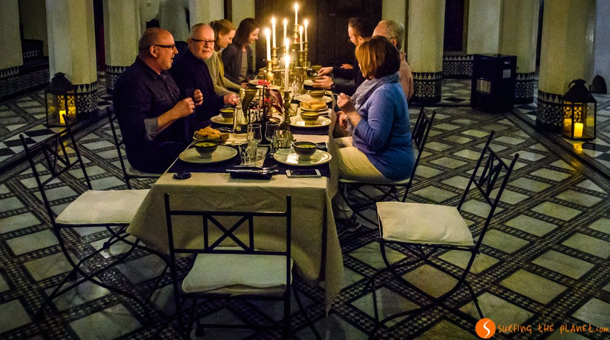 Cena de grupo, Dar Seffarine, Fez