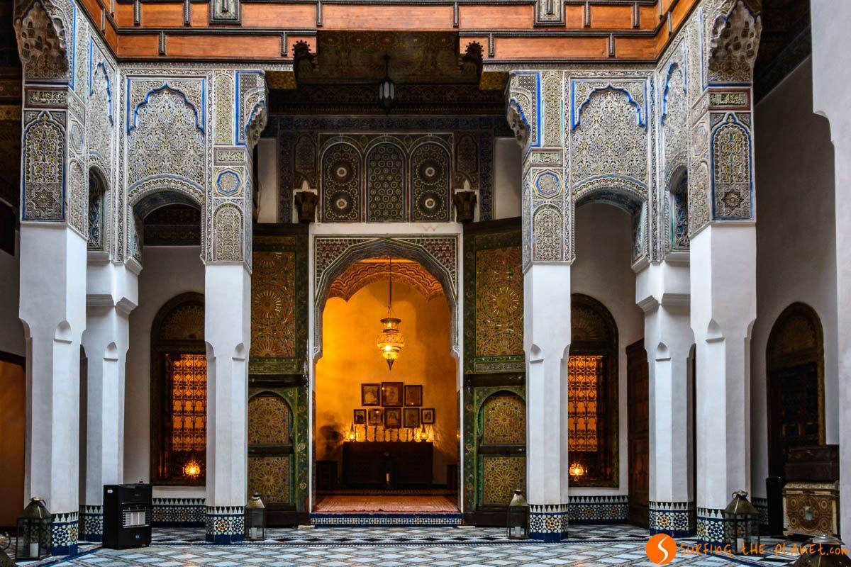 Patio con luces, Dar Seffarine, Fez, Marruecos | Dónde dormir en Fez