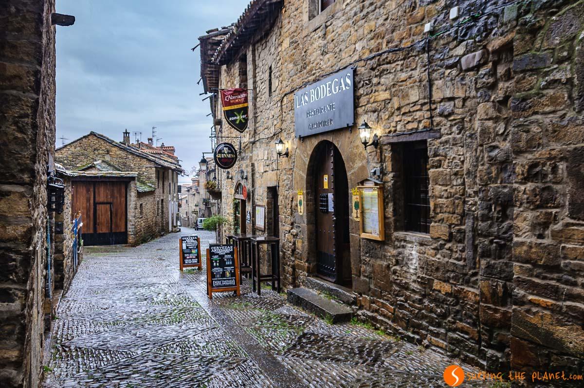 Calle Mayor, Aínsa, Huesca, Aragón