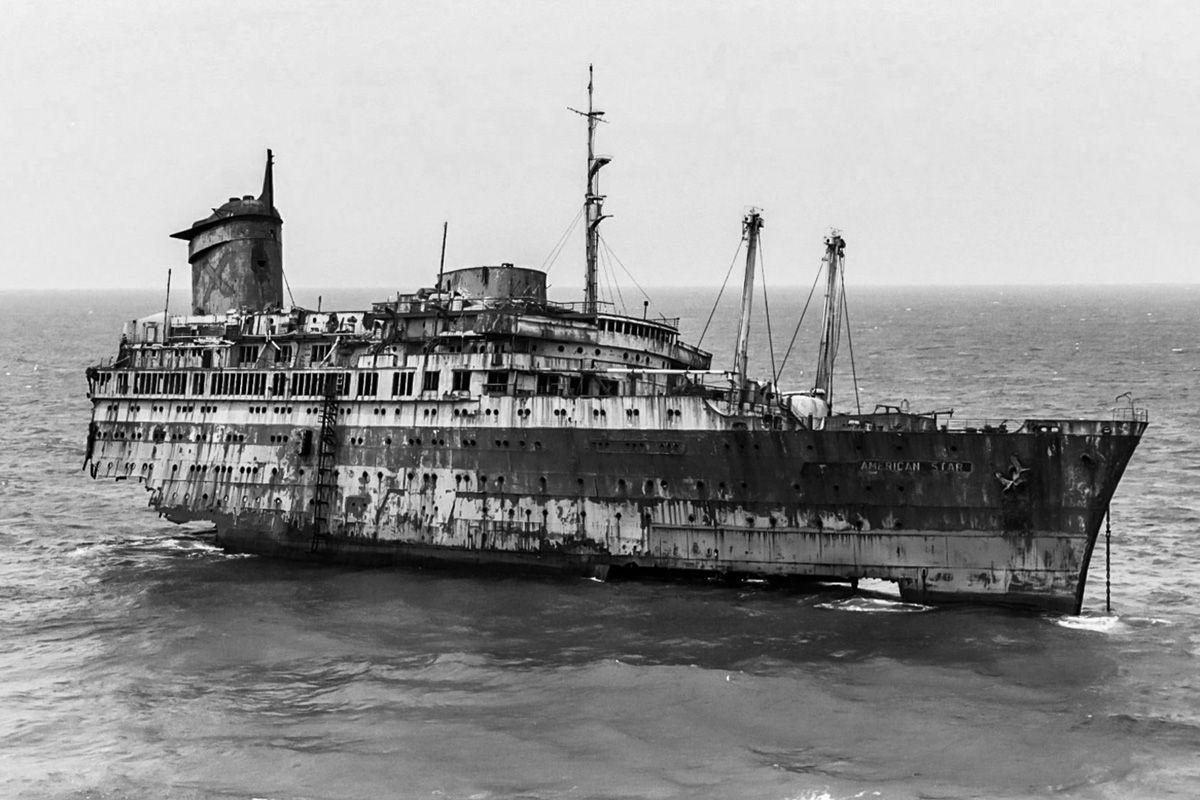 Nave naufragado de American Star, Playa Garcey, Fuerteventura