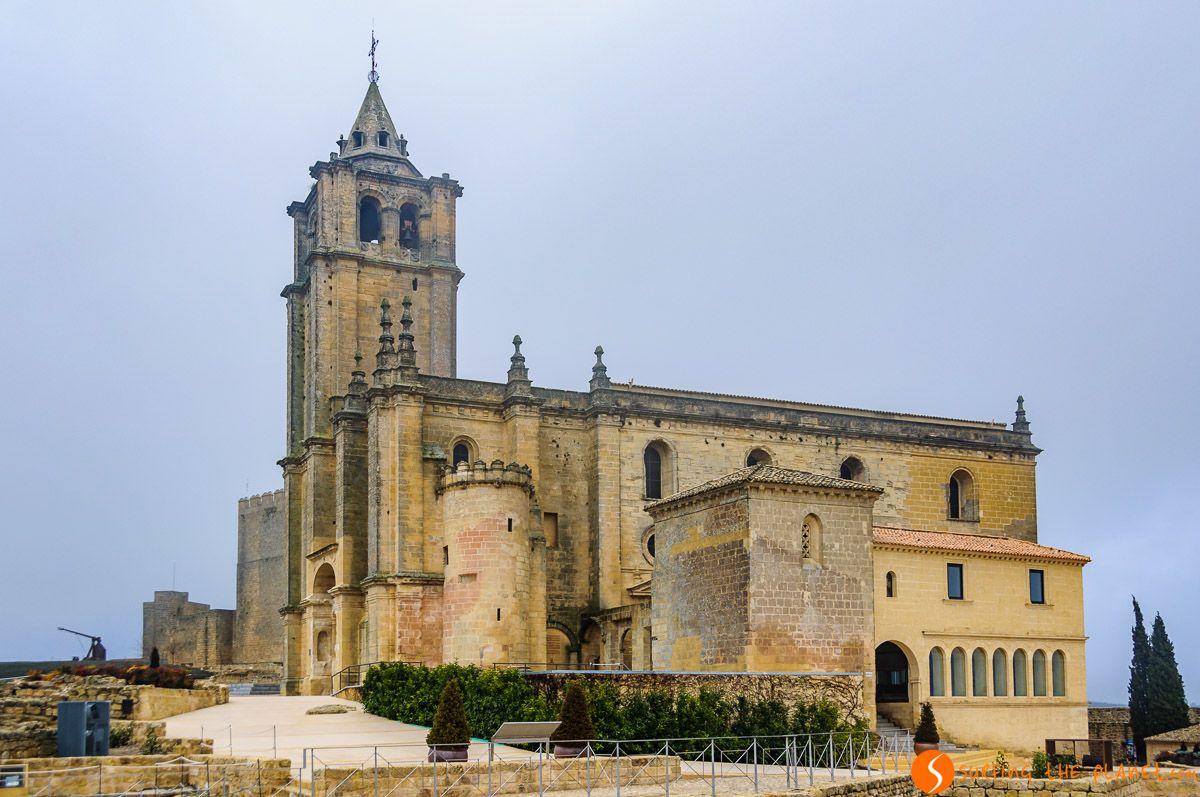 Exterior de la Fortaleza de Mota, Alcalá la Real, Jaén, Andalucía | Qué ver en Jaén Provincia