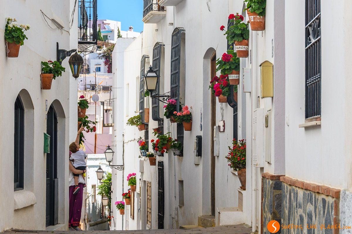 Calle con flores, Mojácar, Almería, Andalucía
