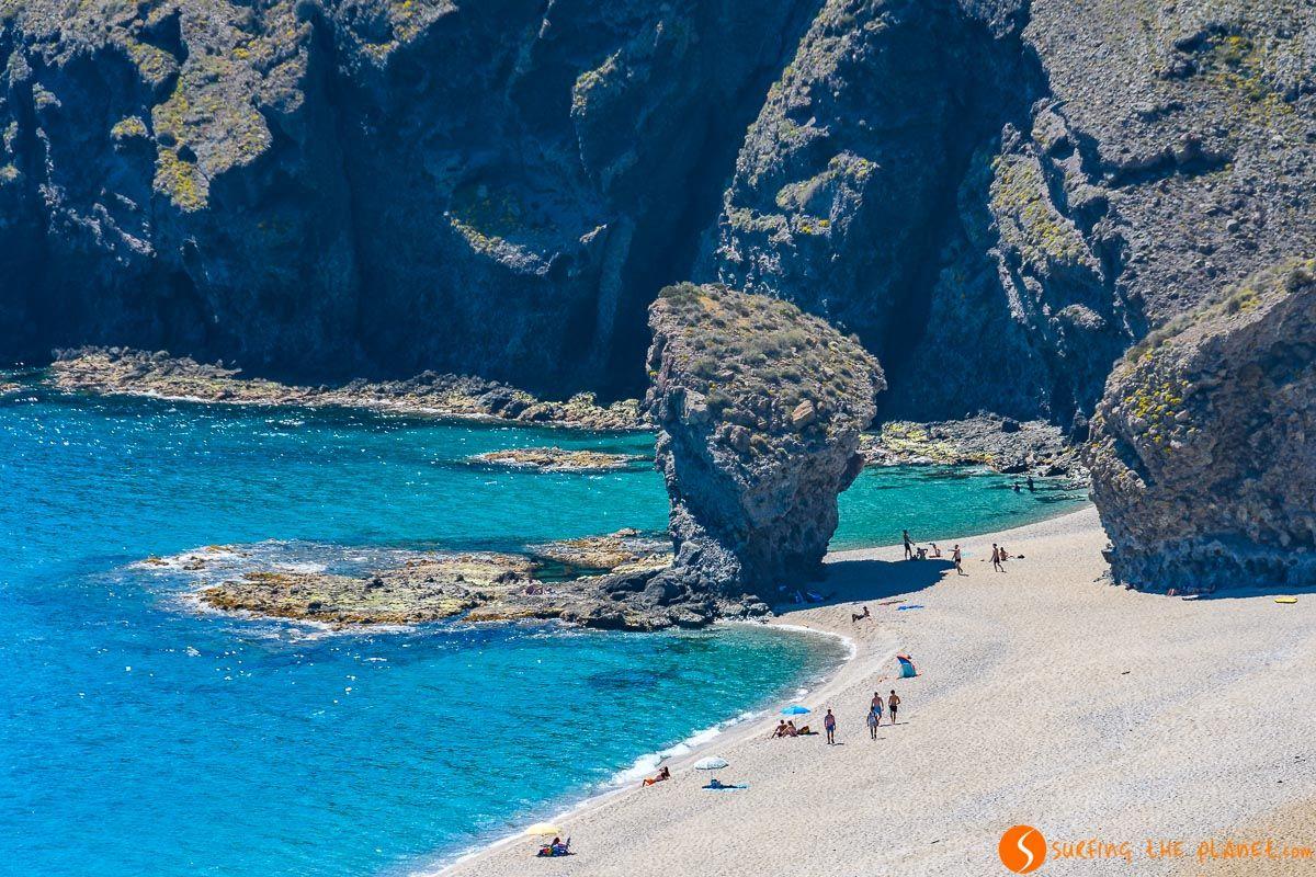 Roca, Playa de los Muertos, Cabo de Gata, Almería, Andalucía | Qué ver en Cabo de Gata