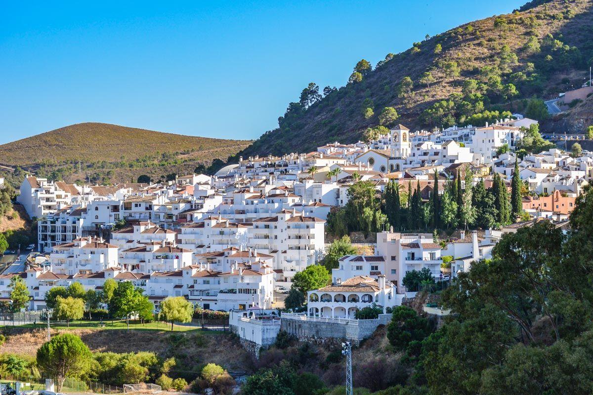 Benahavís, Málaga, Andalucía  Los municipios de Málaga con más encanto