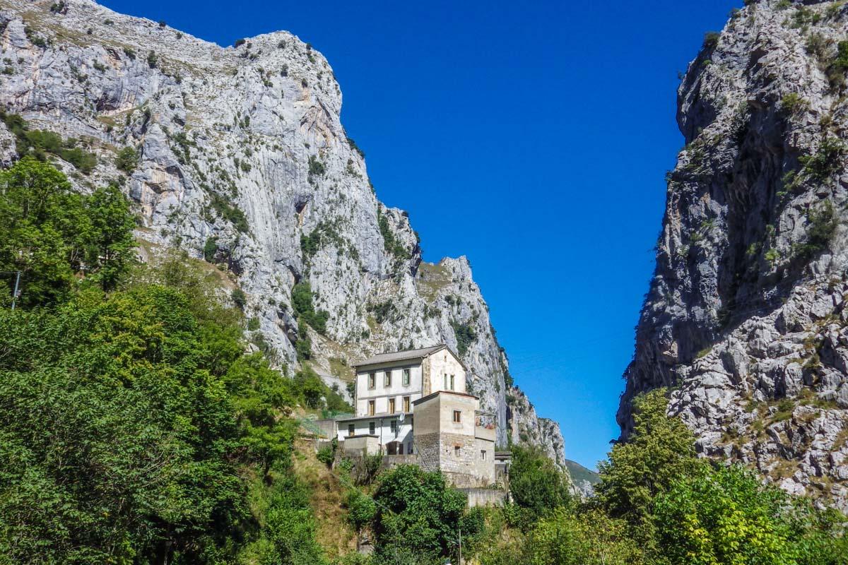 Pueblo pintoresco, Bulnes, Asturias