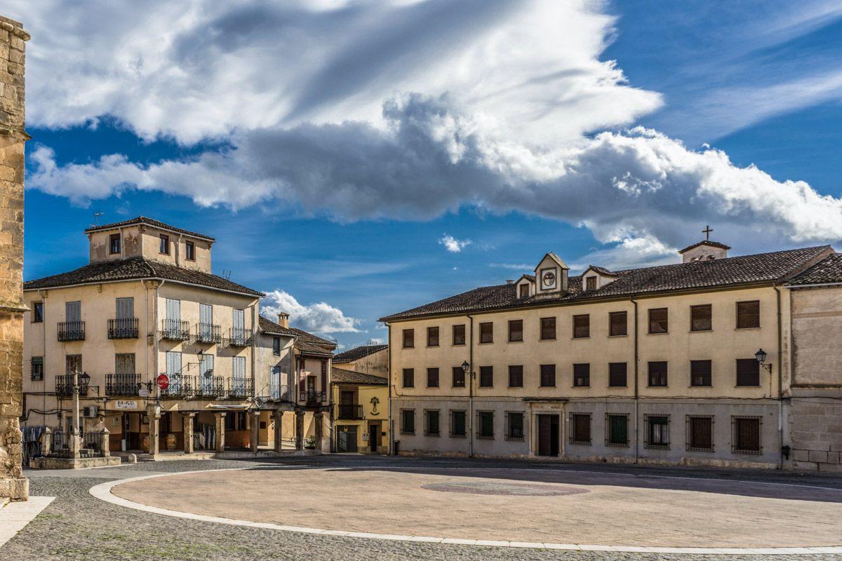 Plaza Mayor, Torrelaguna, Comunidad de Madrid   Pueblos de Madrid con encanto