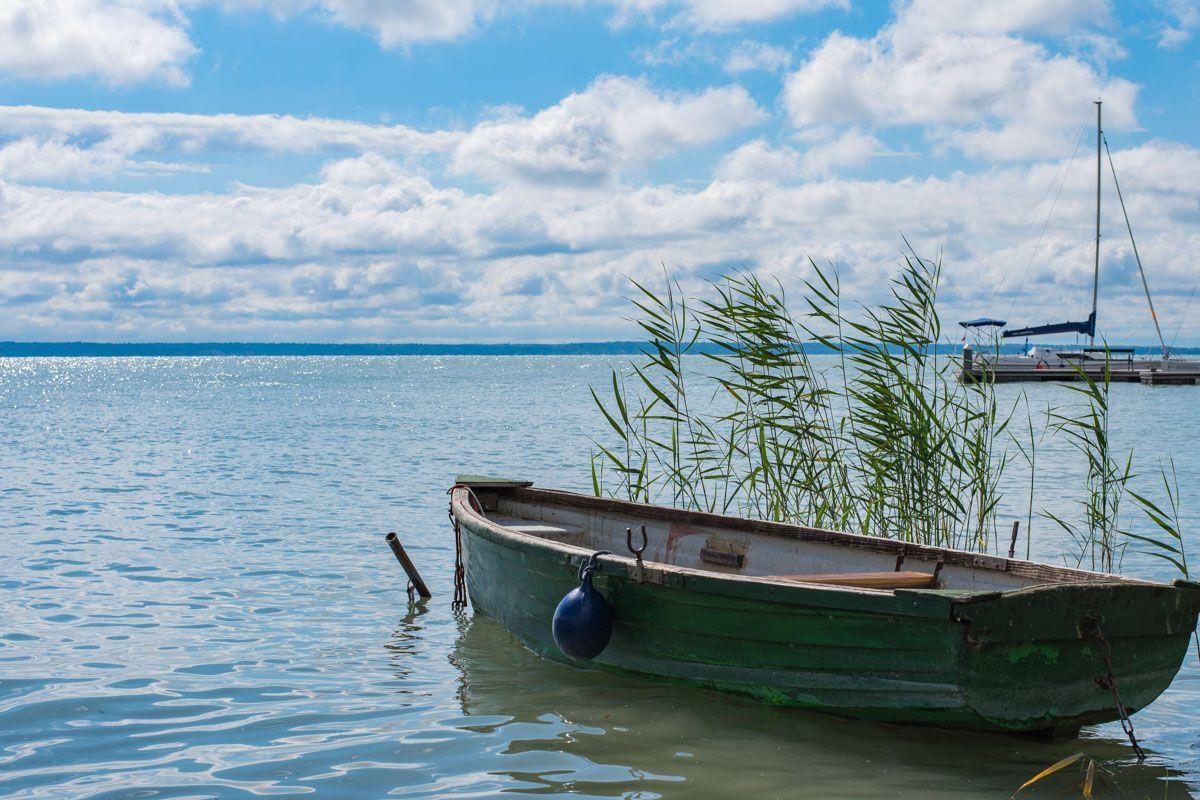 Barquito en el Lago Balaton, Hungría