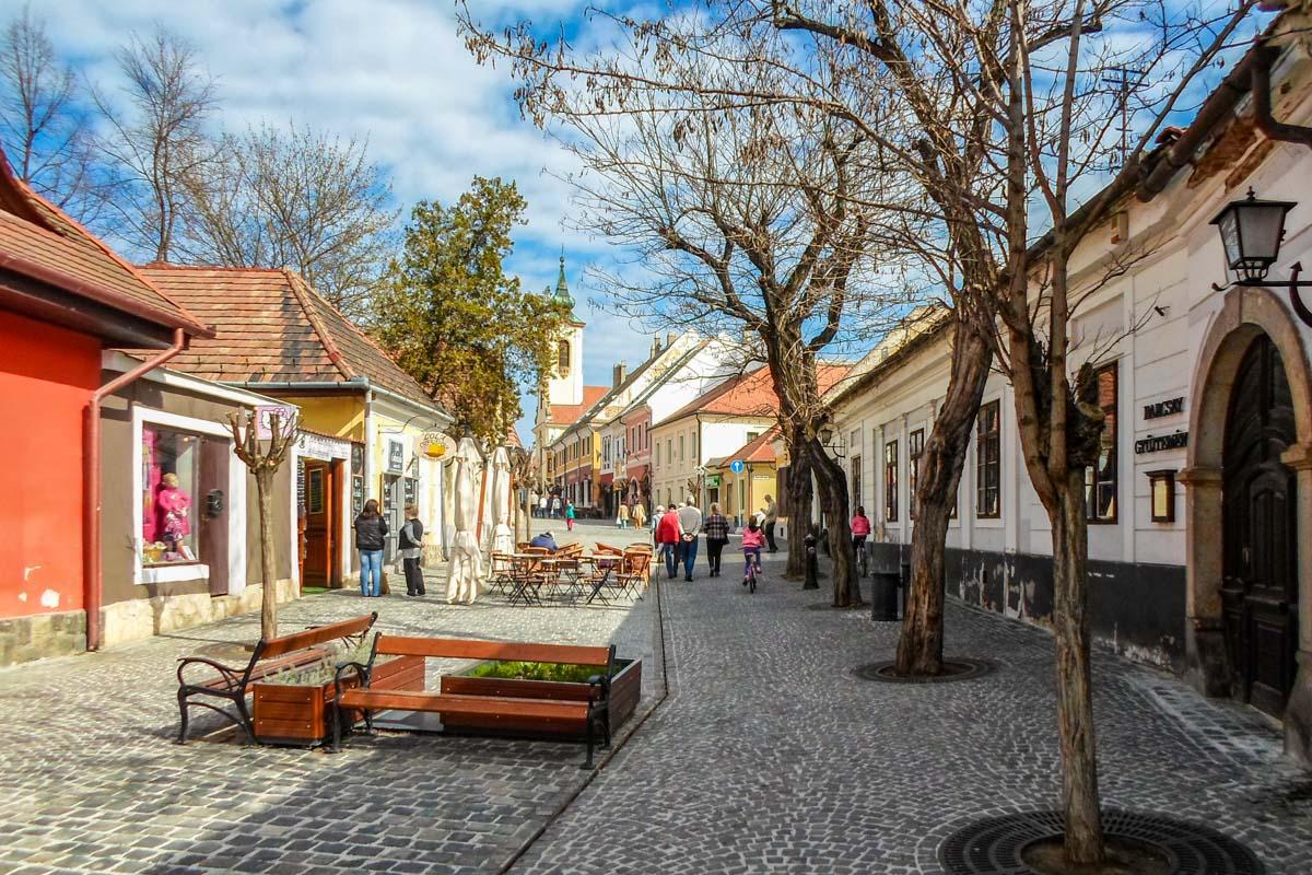 Calle empedrada, Szentendre, Hungría   Excursiones desde Budapest