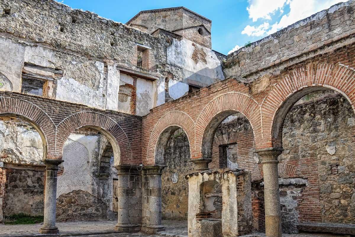Interior del Castillo de Mombeltrán, Ávila, Castilla y León |Los pueblos más bonitos de Ávila